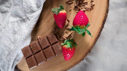 chocolate strawberry chia pudding